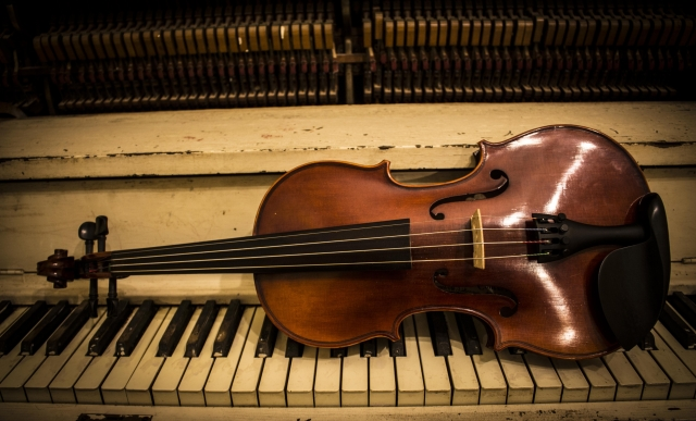 web-Concert-Violin1.jpg