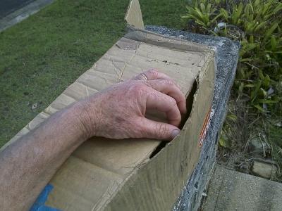 Rejseviolinet-cardboard-box_001.jpg
