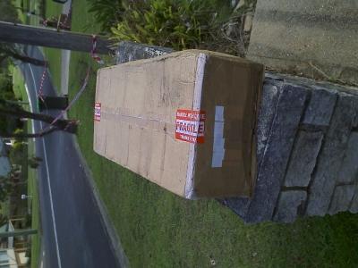 Rejseviolinet-cardboard-box_005.jpg