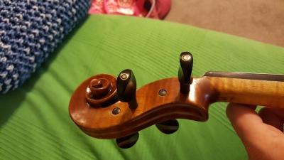 Artist-viola-8.jpg