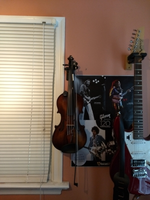 violin-hanger2.jpg