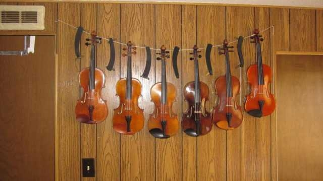 Cheap-Violin-Hanger.jpg