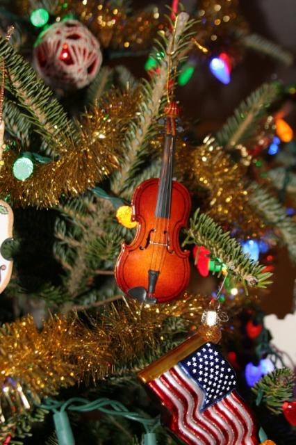 violin_ornament_20121219_019_500px.jpg