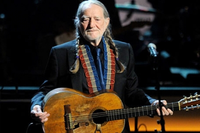 willie-nelson-guitar.jpg
